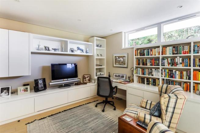 house. estate agency Guildford study / bedroom 5
