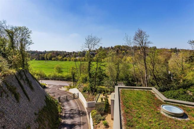 house. estate agency Guildford view