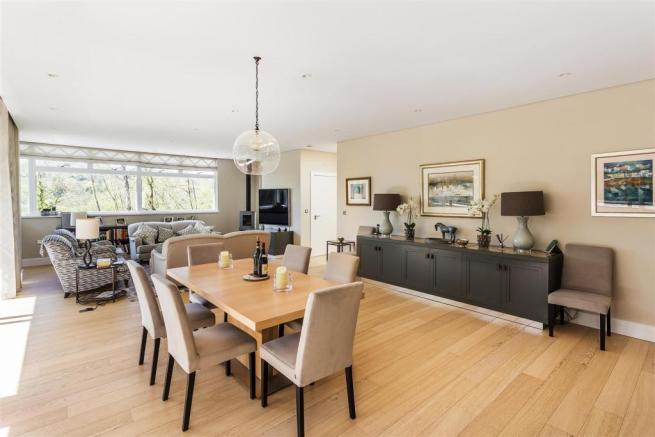 house. estate agency Guildford dining area