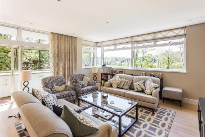 house. estate agency Guildford sitting area