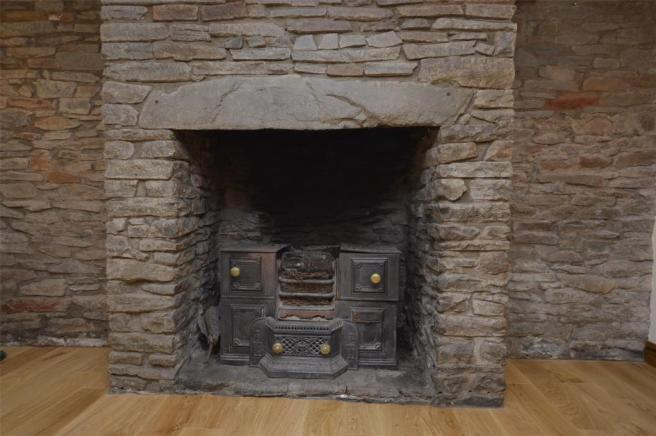 Fireplace(living Room)