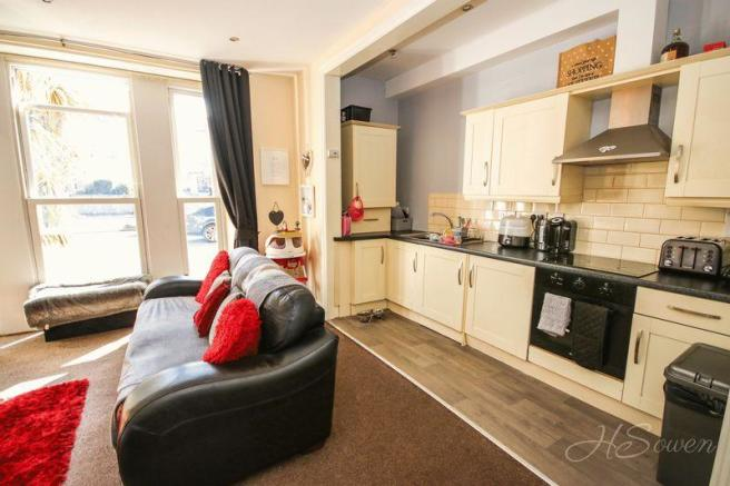 Flat One kitchen