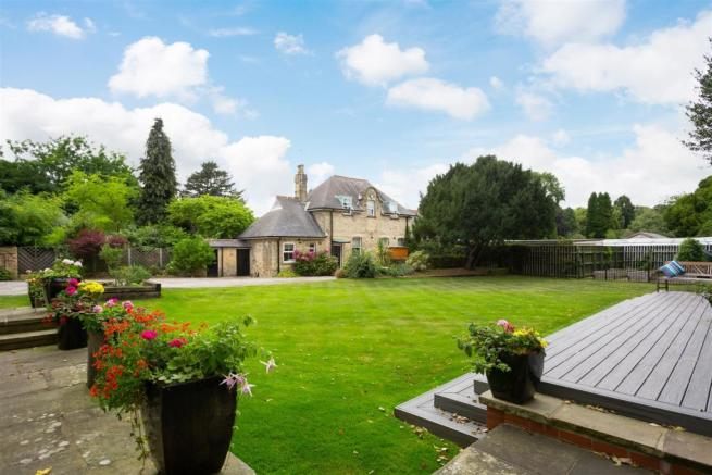 8 Bedroom House For Sale In Holtby House Cottingham East Yorkshire Hu16