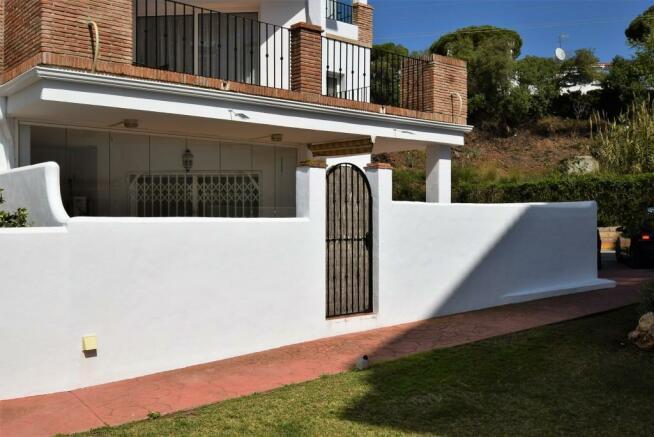 Gardens to terrace a