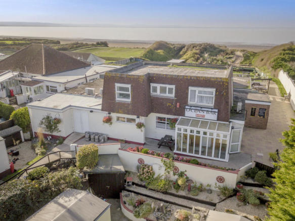 Pub for sale in Ocean Bar, Lazy Days Holiday Park, South