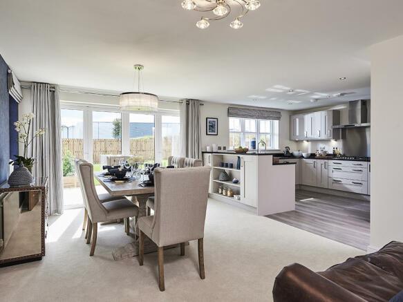 Spacious kitchen / family room