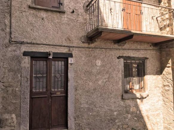 house for sale pigra