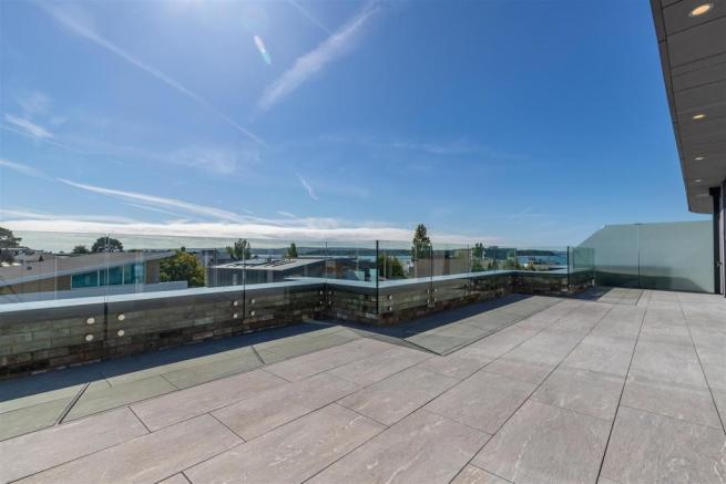 Roof Terrace & View