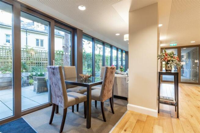 Communal Lounge/Dining Area