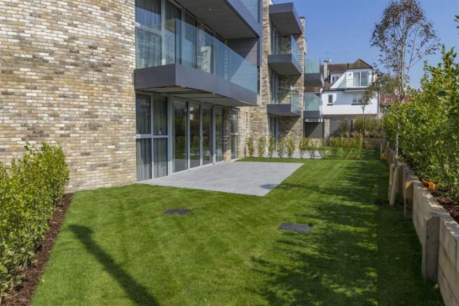 Private Terrace & Garden