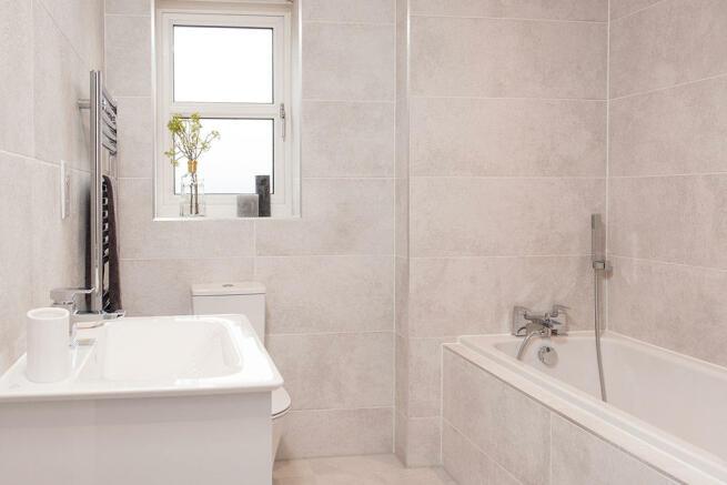 Oakwood Bathroom