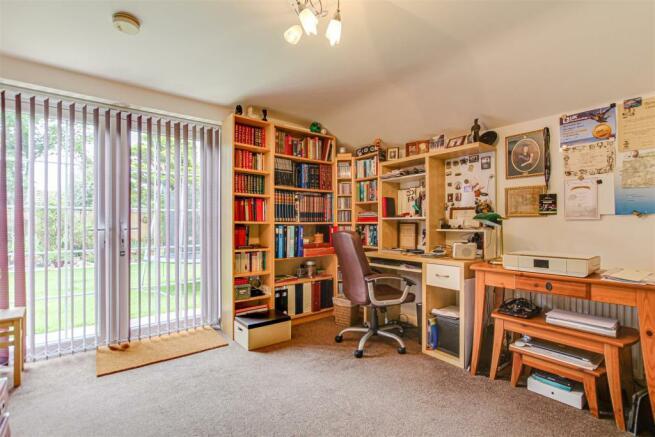 Annex Bedroom/Study