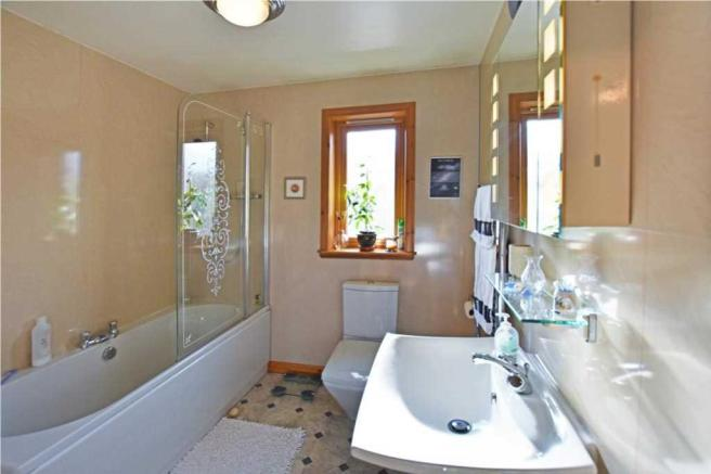 Sandaig - family bathroom