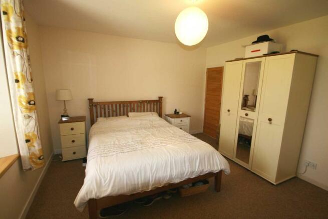 Chromate - Bedroom 2