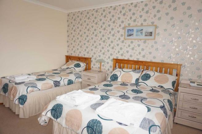 Grimisdale - Double Bedroom.JPG