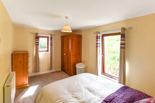 Somedale - Bedroom 2.JPG