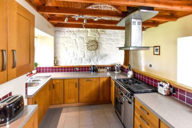 Somedale - Kitchen 3.JPG