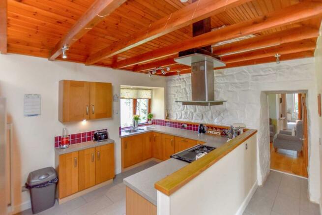 Somedale - Kitchen.JPG
