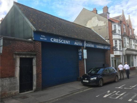 Crescent Street 1