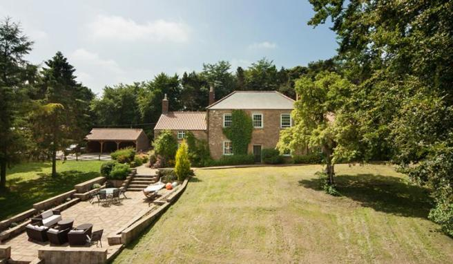 7 bedroom detached house for sale in Pity Me, DURHAM CITY, DH1
