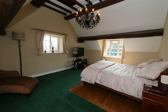 Bedroom 1 / Master Bedroom