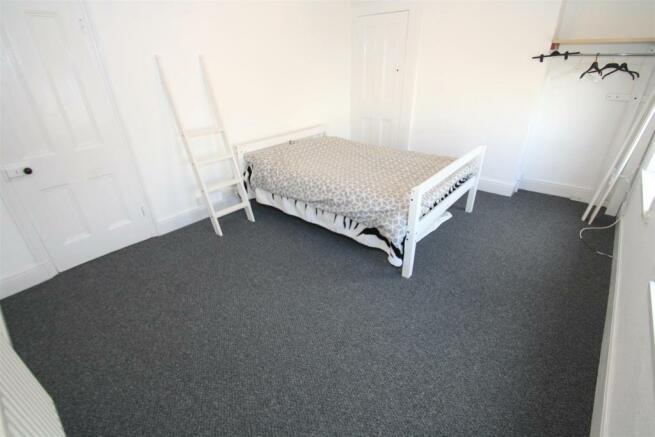 Top Flat - Bedroom 1.JPG