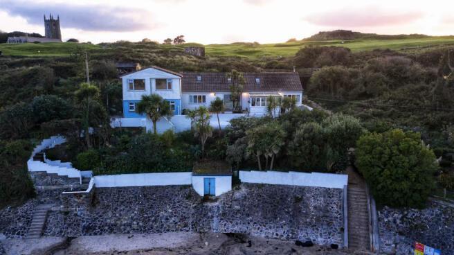 BEACH HOUSE DUSK