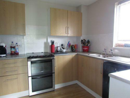 Side Kitchen 2