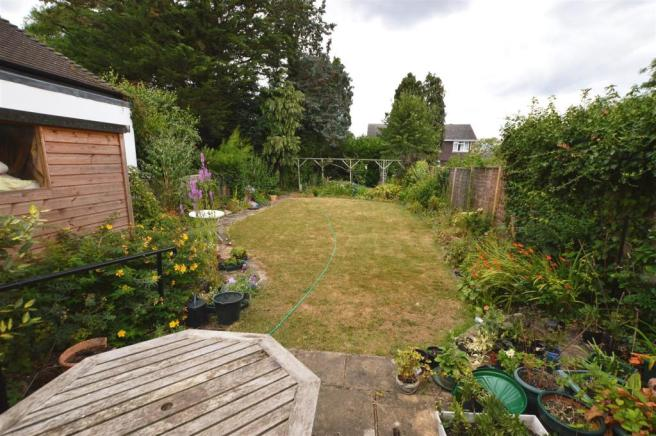 ATTRACTIVE REAR GARDEN: