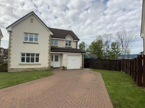 5 bedroom detached house for sale in Lapwing Grove, Inverkip
