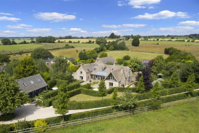 Salters Barn aerial-001.jpg