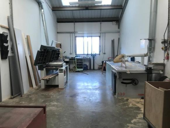Distribution Warehouse For Sale In 9 Limber Road