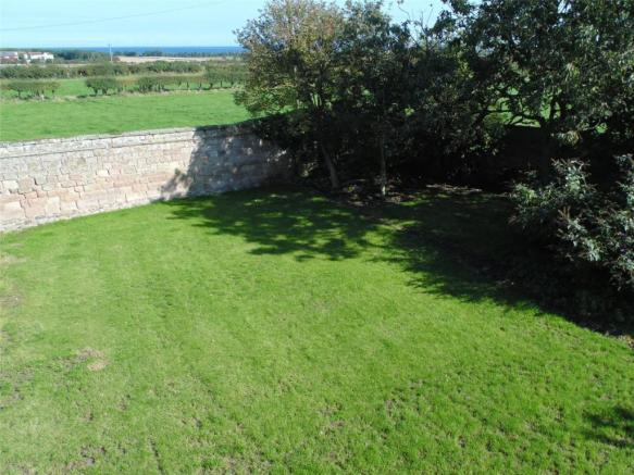 07 Garden and View