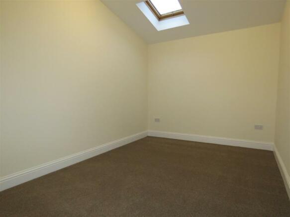 Oldfield Rd 98 flat c bed.JPG