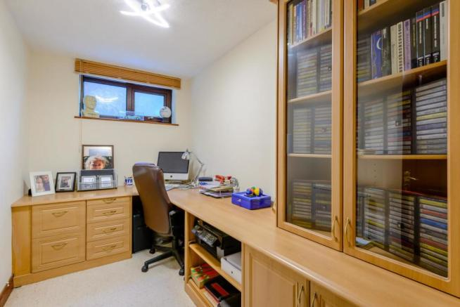 8398350-interior41-800.jpg