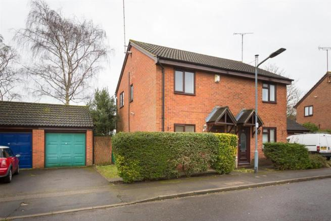 99961db44a8e 2 bedroom semi-detached house to rent in Osprey Close