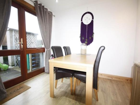 Dining space 3