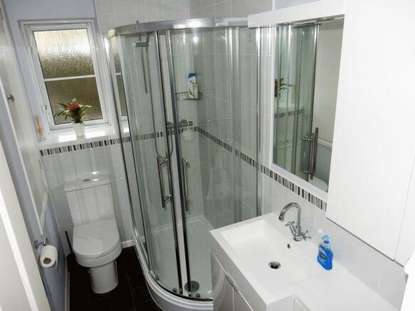 Luxury Shower ...