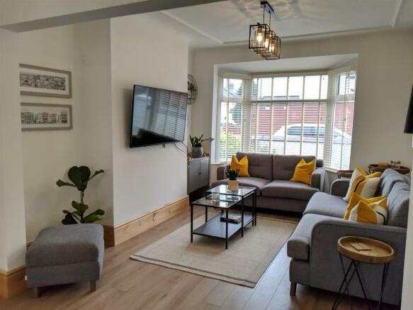 Lounge Area 4.jpg