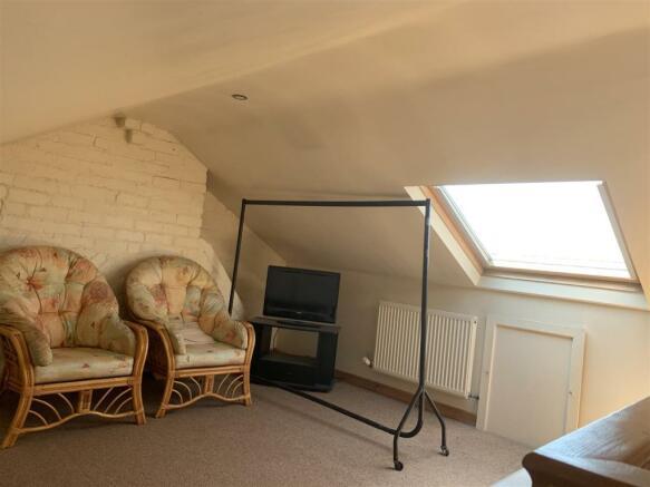 loft room 1.jpeg