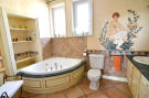 1113CA_bathroom.jpg