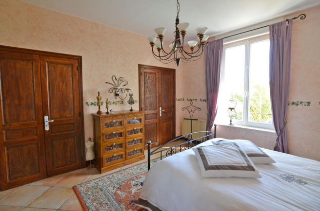 1113CA_bedroom5.jpg