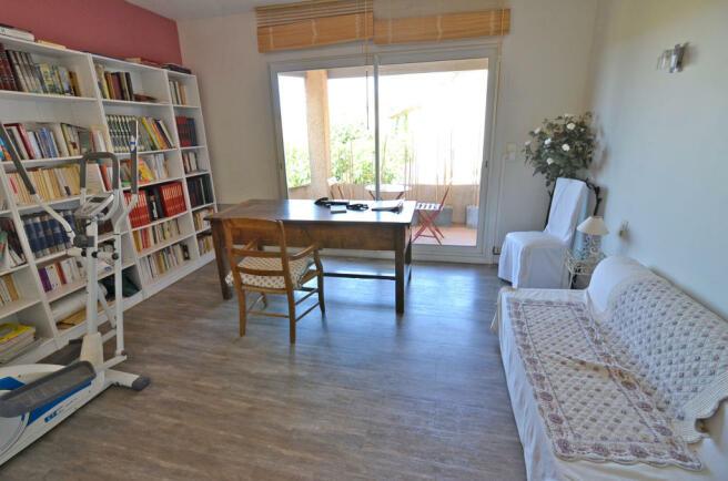 1112CA_bedroom3.jpg