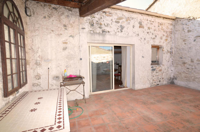 terrasse and house for sale in the South of France in Bize Minervois