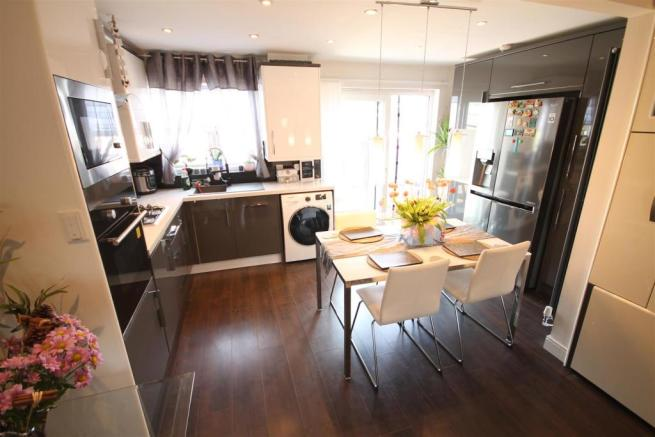 Open Plan Living, Dining Area and Kitchen