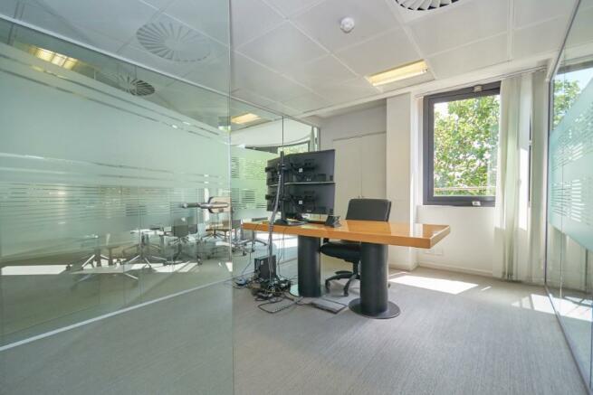Meeting Room / Offic