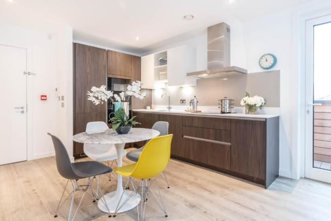 2 Bedroom Apartment For Sale In Middlewood Locks, Salford