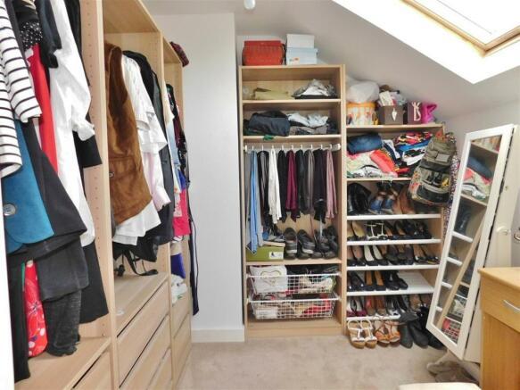 Walk in Wardrobe 1