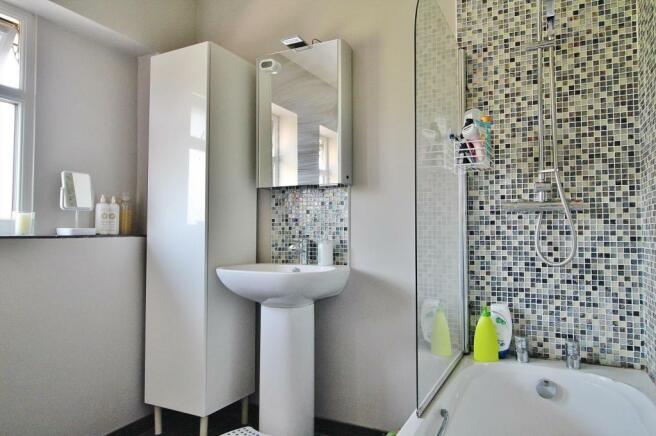 Bathroom Pic 2