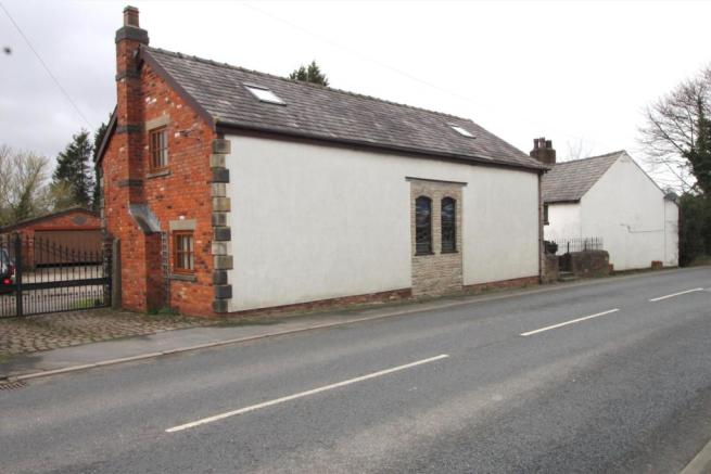 5 Bedroom House For Sale In The Barn, Lydiate Lane